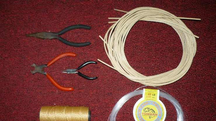 Siapka Bahan dan Peralatan untuk Membuat Jebakan dari Tali